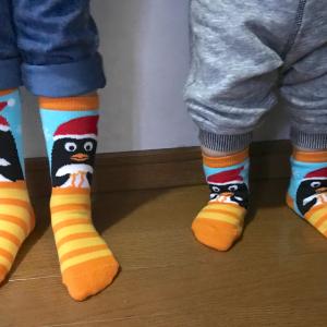 【カルディ】クリスマスデザインの靴下が可愛すぎる♡親子で履けそう♪