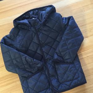 【無印良品】子ども用のキルティングジャケットが洗練されたデザインで人気