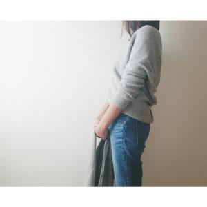 【ユニクロ】大人気の「3Dプレミアムラムコクーンセーター」が1,290円に値下げ中!