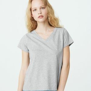 【PEACH JOHN】の汗ジミしないTシャツが優秀すぎる!1枚でもインナーとしても着れて便利♪