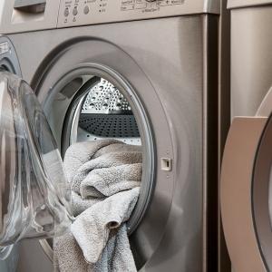 【洗濯の裏ワザ】洗濯ネットは形状で使い分けるべき!「丸型」「四角型」「網目のサイズ」