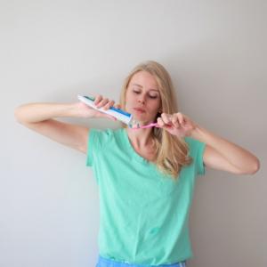【歯科医が教える】じつは間違いだらけの歯磨みがき習慣!その磨き方大丈夫?