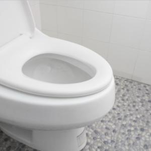オキシクリーンでトイレをまるっと掃除!便器の黒ずみ・黄ばみはひと晩で真っ白!タンクも壁もピカピカ!