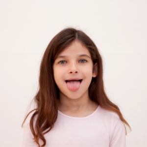 【歯科医師が教える】舌はみがき過ぎるとよくないって本当?正しいケアの仕方5か条