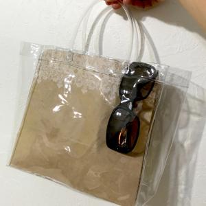 【ダイソー】の「クリアバッグ」がSNSで話題沸騰中!気になるみんなの活用術とは?