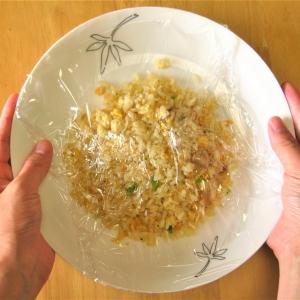【料理の裏ワザ】レンチンしたお皿が熱い!持てない!それは「ラップのかけ方」で問題解決!