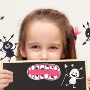 【歯科医師が教える】虫歯菌を子どもにうつさないために気をつけたい4つの習慣!