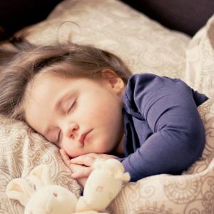 【快眠○×クイズに挑戦!】寝苦しい夜にも気持ちよく眠れる方法が分かります!