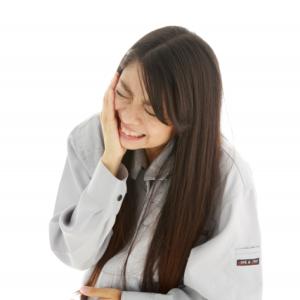 【歯科医師が教える】冷たいものを食べるとキーンとする歯の痛み「知覚過敏」はどう対策したらいい?
