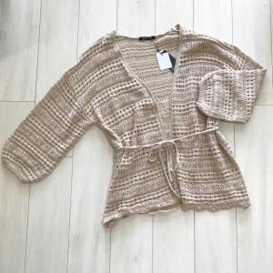 【しまむら】トレンドの透かし編みカーディガンが1500円!?早くも品薄状態だから急いで!!