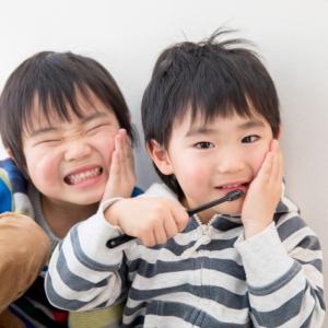「C2って何?」子どもが歯科検診でもらってくる紙に書いてある謎の英字、解説します!