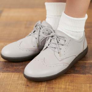 疲れるヒール靴はもうやめた!働く女子の新定番はマニッシュなトラッドシューズ