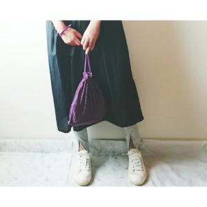 【ユニクロ】新作のレギンスはリブ×フロントスリットが可愛い♡足が長く見えてスタイルアップも叶う!
