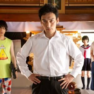 【草彅剛】がくず男役!?映画『台風家族』の名演技に注目!中村倫也との共演が見られるなんて最高!