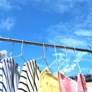 「洗濯物を畳むのが面倒…」なら、いっそのこと畳むのを止めよう!目からうろこなメソッドとは?