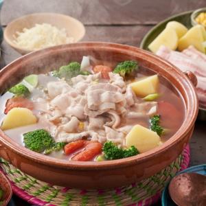 食材宅配サービス【Oisix】で大人気の「お取り寄せ鍋セット」は全8種類!美味しさの秘密をレポート