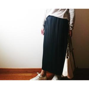 【ユニクロ】ペチコート付きのプリーツスカートが 2,990円→500円に値下げ中!今すぐお店へ急げ!
