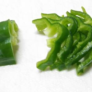 【野菜の切り方】繊維の向きを変えると旨味が変わる⁉キャベツ、玉ねぎ、にんじん、ピーマンの検証報告