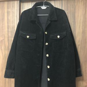 【しまむら】オーバーサイズのコーデュロイシャツが819円!?アウターとしても着れるのに安すぎぃ!