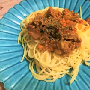【料理の裏ワザ】いつものミートソースが高級イタリアンの本格的な味に大変身!アレをいれるだけで上品に!