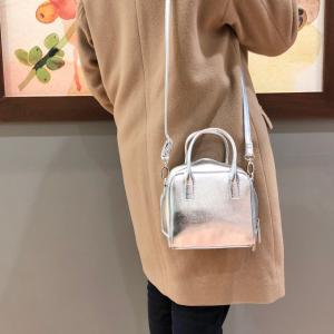【GU】SNSでも話題の新作「スクエアミニバッグ」が可愛すぎる♡