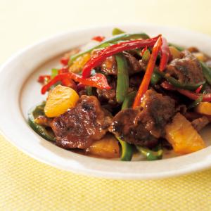 【料理の裏ワザ】硬いけど安価な「赤身肉」はフルーツでマリネして!キウイやパイナップルで柔らか~