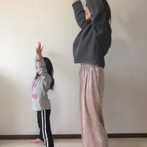 【運動不足解消!】長引くおうち時間を親子で楽しもう♪ダイエット効果も期待できるダンス