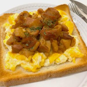 焼き鳥缶と簡単タルタルソースで作る絶品トースト「悪魔の親子トースト」とは?