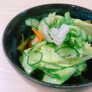 【おうちでプロの味】もう一品欲しい時の簡単「新キャベツのもみ漬け」で野菜不足も解決!