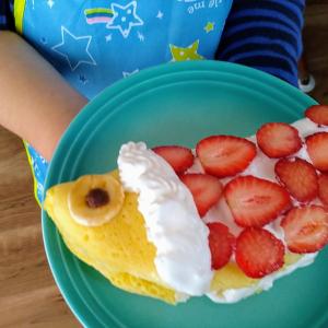 子どもと一緒に作ってみよう!ホットケーキミックスで作る「こいのぼりオムレット」