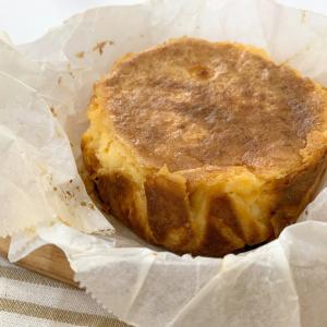 バニラアイスを使うと簡単に「バスクチーズケーキ」が作れる!?材料3つのレシピがSNSで話題