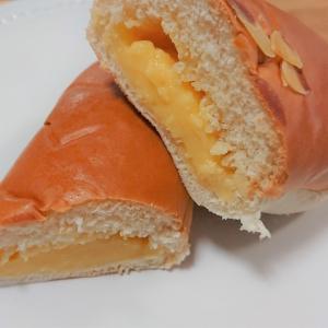 【ファミリーマート】 「クリームを味わうクリームパン」はクリームの濃厚さが歴然!