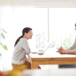 自粛生活で感じたパートナーへの素直な感情。7割の人が「一緒にいられて嬉しい」と回答!?