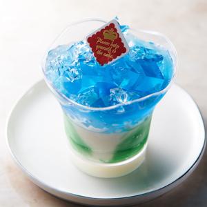【シャトレーゼ】「バタフライピーのカップデザート」は食べる前も色の変化で楽しめる新感覚スイーツ