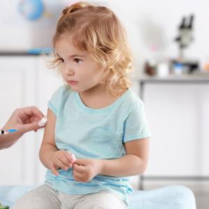 小児科医からのメッセージ「病院に行くのを躊躇しても予防接種を延期しないで!」