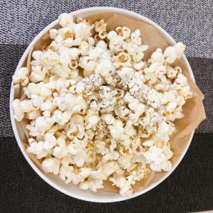 おうちで作るポップコーンはヘルシーにできる!簡単アレンジ3選|お家で映画を楽しむときに最適