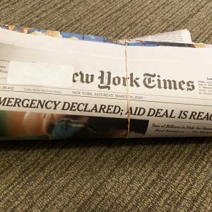 新聞紙を使ったお掃除術3選|使ったら捨てられるから掃除がもっとラクになる