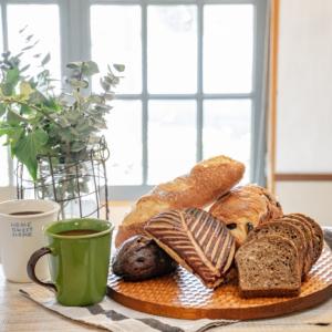 人気の名品が家に届く!コーヒーやパンなど大人の女性におすすめな「サブスク」サービス3選