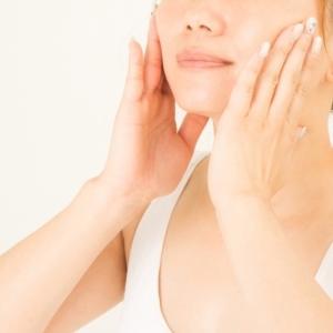 顔のむくみの原因は「肌」!?小顔美人に導くデトックスの重要性を研究員が解説