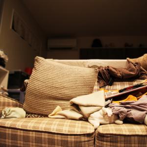 「洗濯物たたみ」ができずに片付かない!取り込んだ洗濯物でリビングが散らからない方法