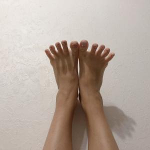 お風呂上がり後5分で変わる!足が太くなったと感じたら。ヨガインストラクターが実践する足指ストレッチ