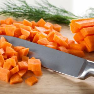 時間を貯める「プチ調理」。 野菜を切るときの一工夫で明日の自分が楽になる!