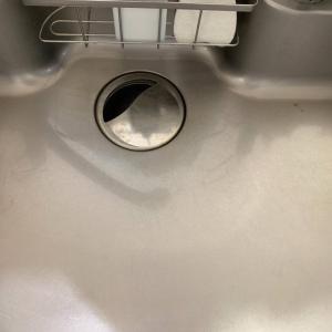 """【くらしの裏技】キッチンの水周りは""""料理のついでに磨く""""!料理に使ったアレでピカピカになるお掃除法3選"""