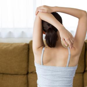 1日3分で美姿勢も手に入る!「肩こり解消ヨガ」