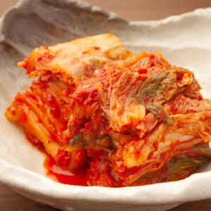 韓国風味付けなら鍋キューブ・キムチ味にお任せ!ポンッと入れるだけで簡単にピリ辛おかずができちゃう