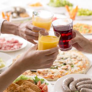 ホームパーティで楽しめるソフトドリンク4選|お酒は控えたいけど食事に合う飲み物が飲みたい!