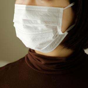 ニオイや耳への負担がストレス!マスク生活のストレスを軽減する3つの方法とは?