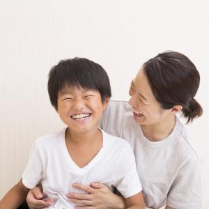 「すてきなご家族ですね」と言われた時の正解は?日本人の美徳、謙遜は誰得なのか