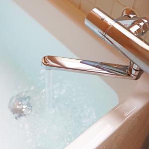 「追い焚き」と「足し湯」は、どっちがお得? シャワーの温冷切り替えにも省エネのコツが! #家電マメ知識9