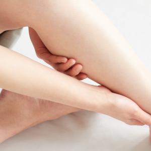 【ヨガインストラクターが教える】下半身の血行促進、むくみ改善に効果的なタオルヨガ(下半身編)